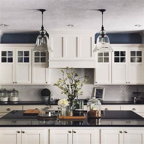 kitchen inspo via meadowlark park featuring our 592 3cd45d83f6a0e996d7a0b4f5ff82c592 black white blue kitchen navy walls white cabinets