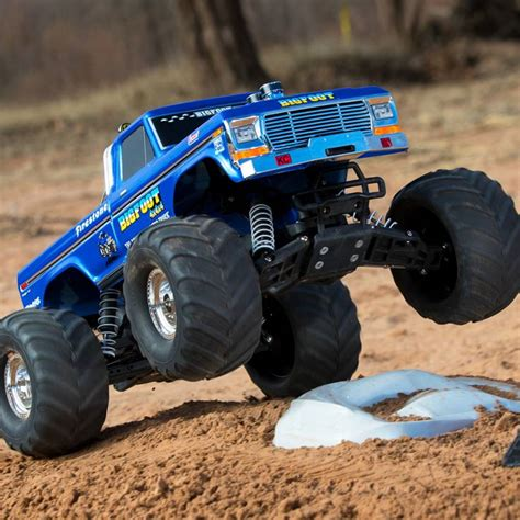monster truck bigfoot video bigfoot classic 1 10 scale rtr monster truck blue