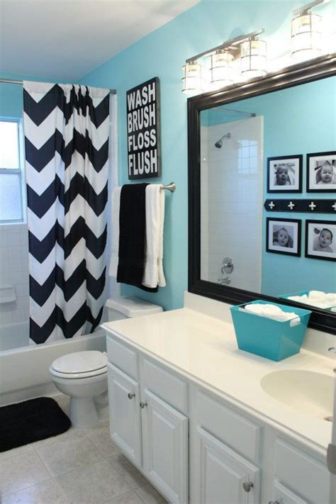 Themed Bathroom Wall Decor by Best 25 Blue Bathroom Decor Ideas On Bathroom