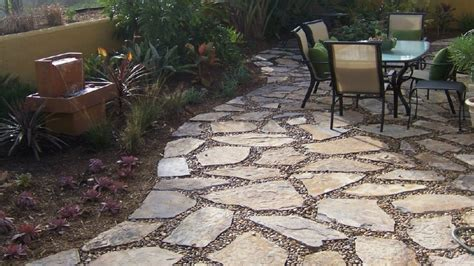 Stone patio design, flagstone with pebble flagstone with