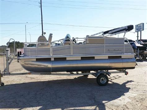 Used Boats Jackson Ms by Pontoon New And Used Boats For Sale In Mississippi