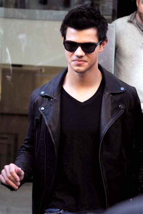 Photos of Taylor Lautner Shopping in Madrid Wearing a ...