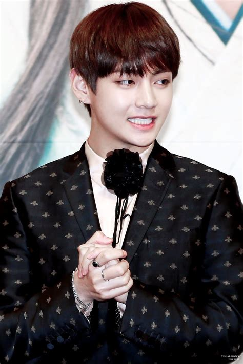BTS Vu0026#39;s Fashion Has Come A Surprisingly Long Way Since His Debut u2014 Koreaboo