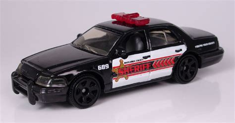 MB689 - 2006 Ford Crown Victoria Police/Taxi