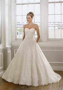 romantic wedding dress with a sweetheart neckline style With sweetheart neckline wedding dress