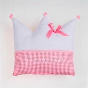 Kissen Mit Namen Nähen : kronenkissen kissen krone kissen mit namen von bella gretel auf baby kinderzimmer ~ Watch28wear.com Haus und Dekorationen