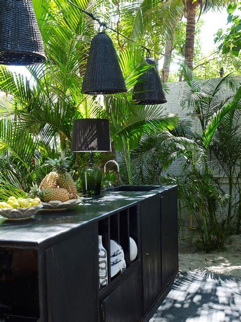 outdoor bar  design ideas remodel  decor lonny
