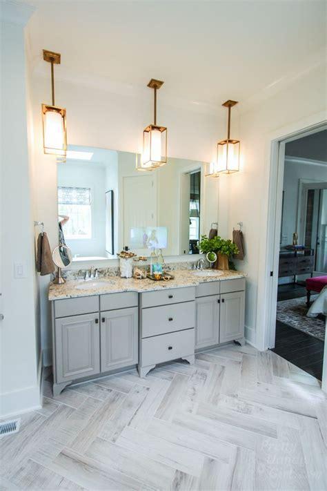 Bathroom Ideas Neutral Colors by Best 25 Neutral Bathroom Tile Ideas On