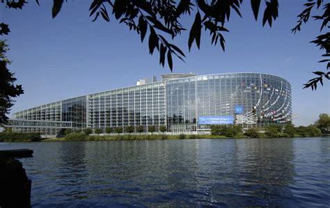 Sedi Parlamento Europeo by Bon Voyage