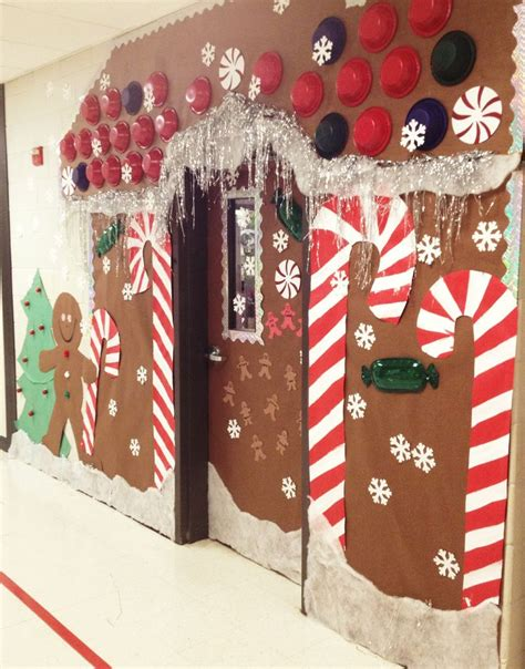 Decorating Ideas For Gingerbread by Best 25 Gingerbread Decorations Ideas On