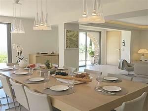 Tisch Mit Stühlen : villa infinity c te d 39 azur ramatuelle firma cote d 39 azur villas frau angela swedlund ~ Orissabook.com Haus und Dekorationen