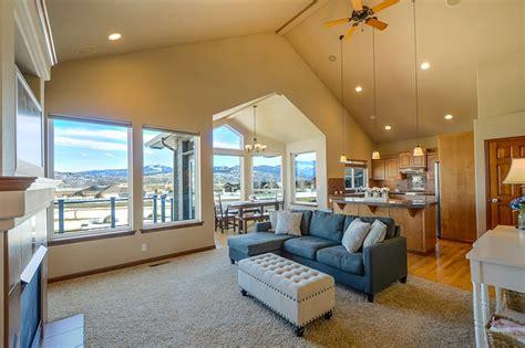 Home Interior Insurance : Kuchyňa S Obývačkou Aj V Malom Byte Alebo Dome