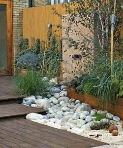 amenagement deco jardin avec cailloux With deco jardin avec cailloux