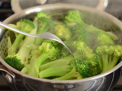steaming broccoli quick garlic parmesan broccoli budget bytes