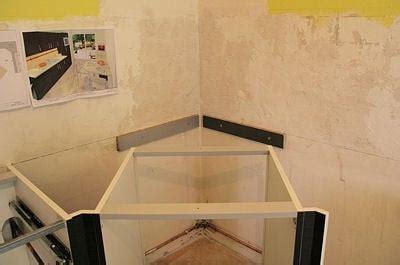 monter une hotte de cuisine installer le meuble d 39 angle