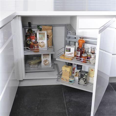 rangement angle cuisine 1000 ideas about castorama cuisine on