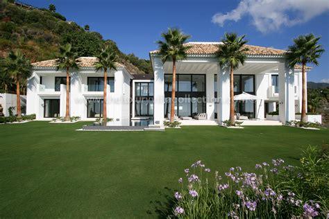designer living 5 bedroom villa in la zagleta luxury villa