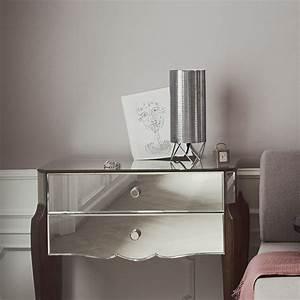 Luminaire Pour Chambre : luminaire quelle lampe de chevet pour clairer sa chambre marie claire ~ Teatrodelosmanantiales.com Idées de Décoration