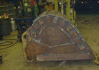 bucket repair rebuilding  repairing excavator loader  backhoe buckets   steel