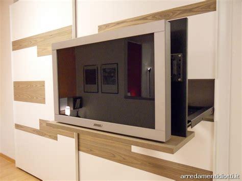 armadi con tv incorporata armadio scorrevole emotion con porta tv integrato diotti