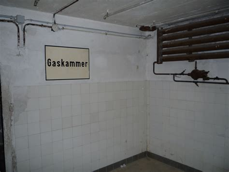 chambre à gaz file chambre à gaz du c de concentration de mauthausen