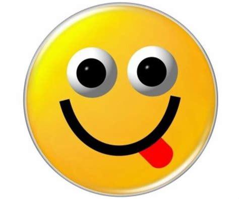 smiley qui montre la langue