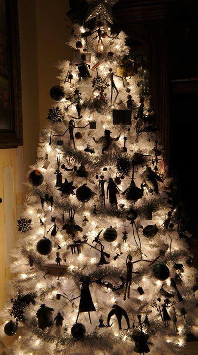 nightmare before xmas tree ideas nightmare before tree cakehead evil