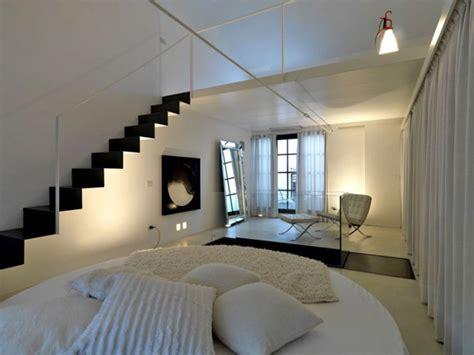 Loft Der Moderne Lebensstilmodernes Loft Design 2 by 10 Iconic Barcelona Chairs Defining Different Interior Styles