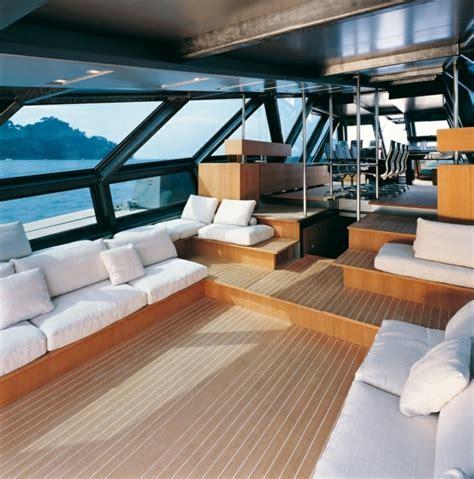 le voilier de luxe en beaucoup de photos