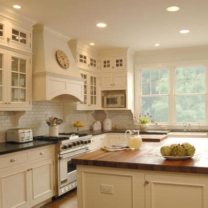 how to add color to a kitchen 83 best woodharbor cabinetry images on 9279