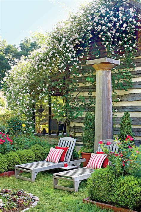 entertainers garden southern living