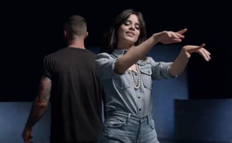 maroon  premiere  video  girls   remix