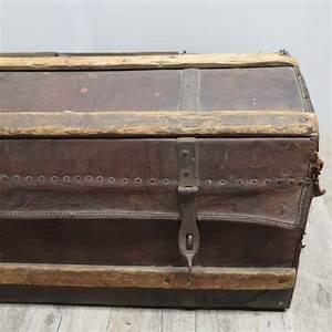 Truhe Aus Holz : antike truhe aus leder holz bei pamono kaufen ~ Watch28wear.com Haus und Dekorationen