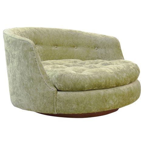 Milo Baughman Swivel Lounge Chair by Large Milo Baughman Swivel Lounge Chair At 1stdibs