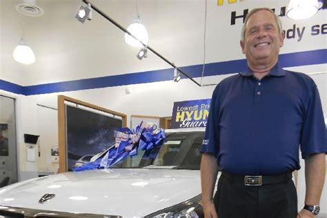 Planet Hyundai Centennial by Veteran Salesman Breaks Record At Planet Hyundai Las