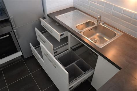 poubelle cuisine sous evier tiroirs sous évier avec poubelles intégrées evier 1 cuve