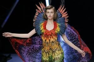 Alexander McQueen's Popular 'Savage Beauty' Exhibition ...