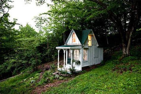 shabby chic bedroom decorating ideas shabby chic ideas turning garden house into beautiful