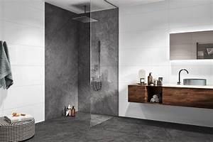 Badezimmer Fliesen Grau Weiß : wandfliesen ganz in wei bild 7 sch ner wohnen ~ Watch28wear.com Haus und Dekorationen