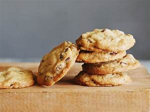 How to Make Chocolate Chip Cookies : Food Network | Easy ...