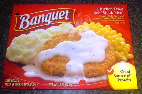 banquet frozen chicken fried steak meal