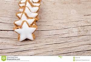 Dekorationsvorschläge Für Weihnachten : linie des zimts spielt f r weihnachten auf holz die ~ Lizthompson.info Haus und Dekorationen