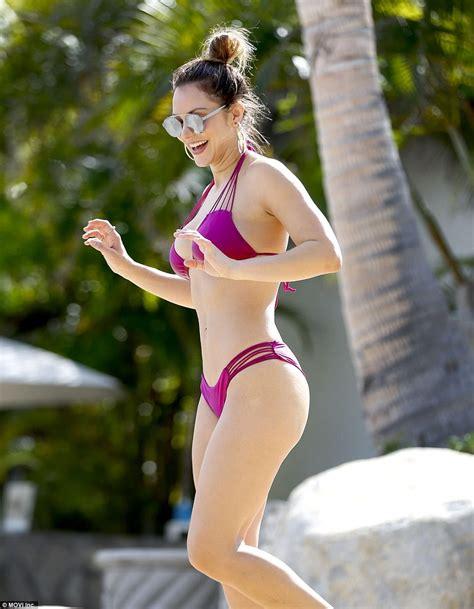 katharine towne sexy katharine mcphee models bikini in mexico daily mail online