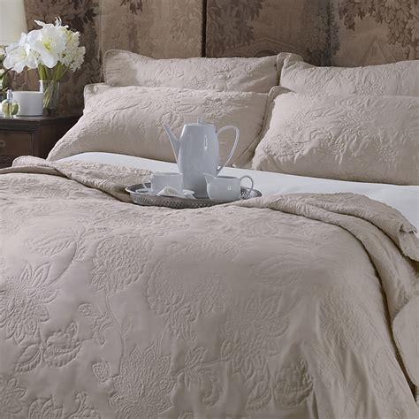 Sashi Bed Linen Lille Floral Embroidered Bedspread