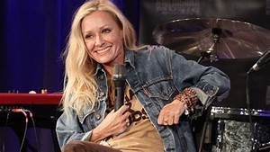 Shelby Lynne On Cleaning Out Her  U0026 39 Dark Dixie Closet U0026 39  For New Album
