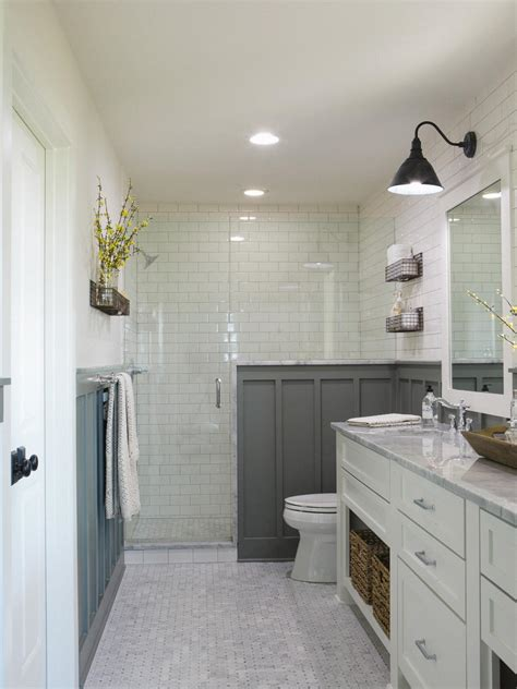 Bathroom Ideas For Small Bathrooms by Small Bathroom Decorating Ideas Hgtv