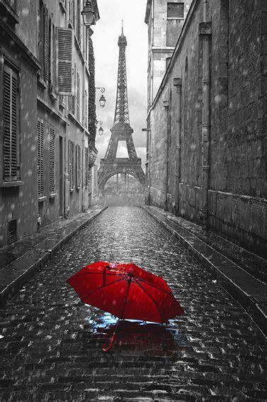 tableau  eiffel parapluie rouge avec images paris