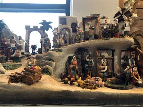 village scene nativity set  full colored pieces