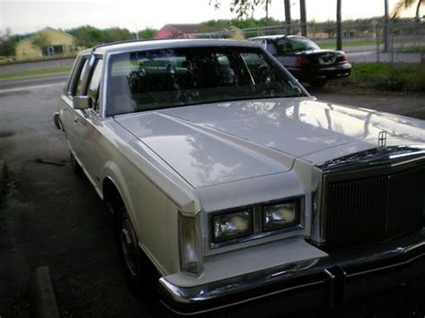 Buy Used Classic Original Paint 84 Lincoln Town Car 59000
