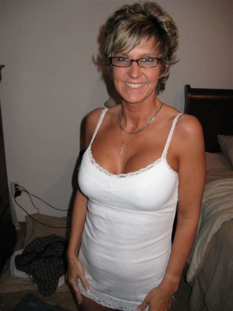 Hot Wife Selfie Cumception